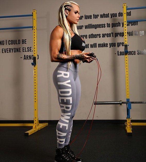 Larissa Reis | Fitness models female, Fitness models, Fit