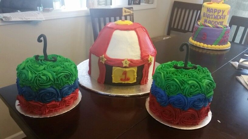Circus cake and smash