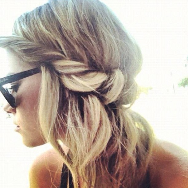 Wish my hair was long enough to do this awesome, low-key braid.
