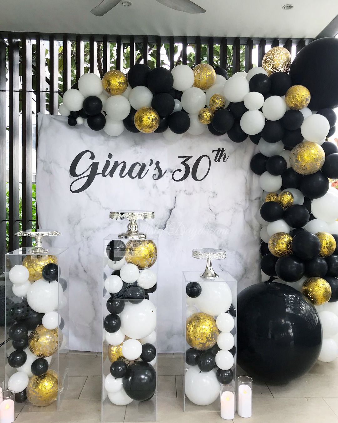 Marble Backdrop Organic Balloons Garlands In Black White And Confetti Gold Mini Balloons Fi Black Party Decorations Black And Gold Balloons Black Gold Party
