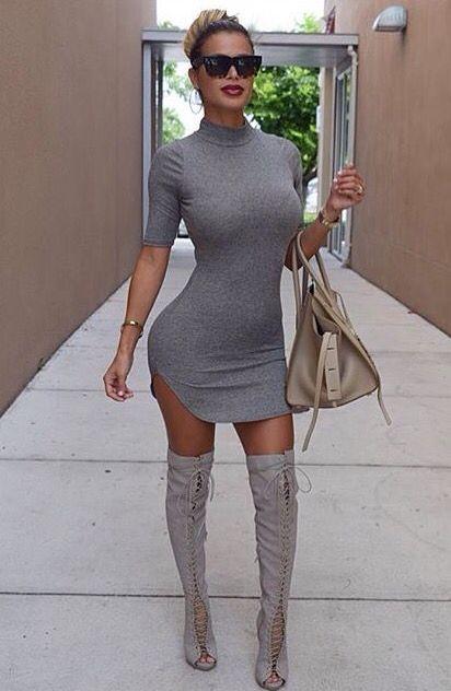 Mujeres con mini vestidos ajustados