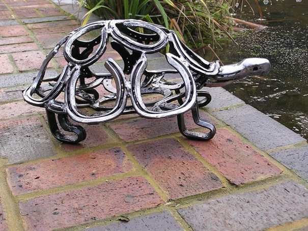 Turtle made from recycled horseshoes tom hill from uk for Things made from horseshoes