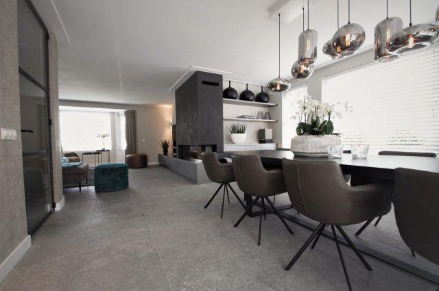 Luxe keuken met eettafel en design stoelen | eetkamer design ...