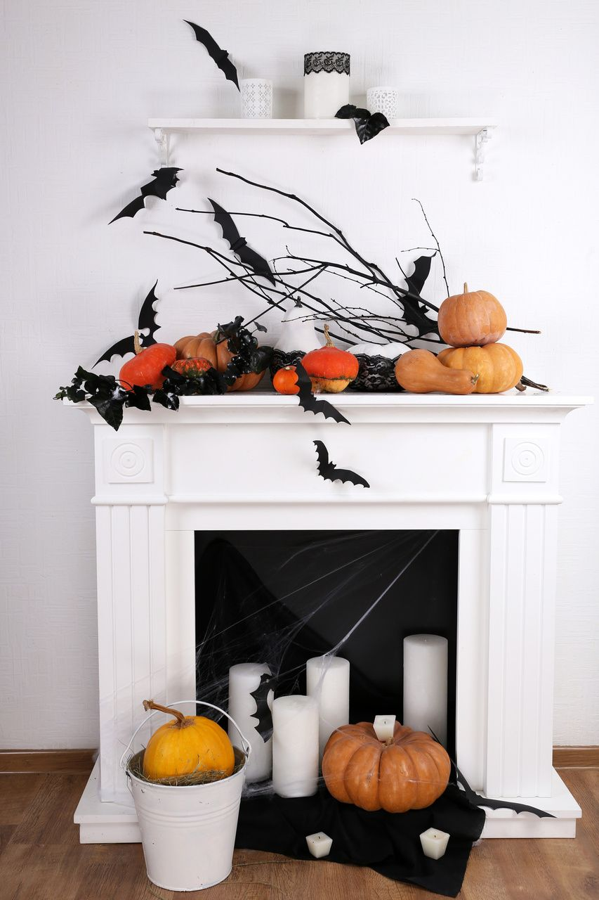 Cats, Bats and Crows Black is the New Black for Halloween - Halloween Decoration Ideas Pinterest