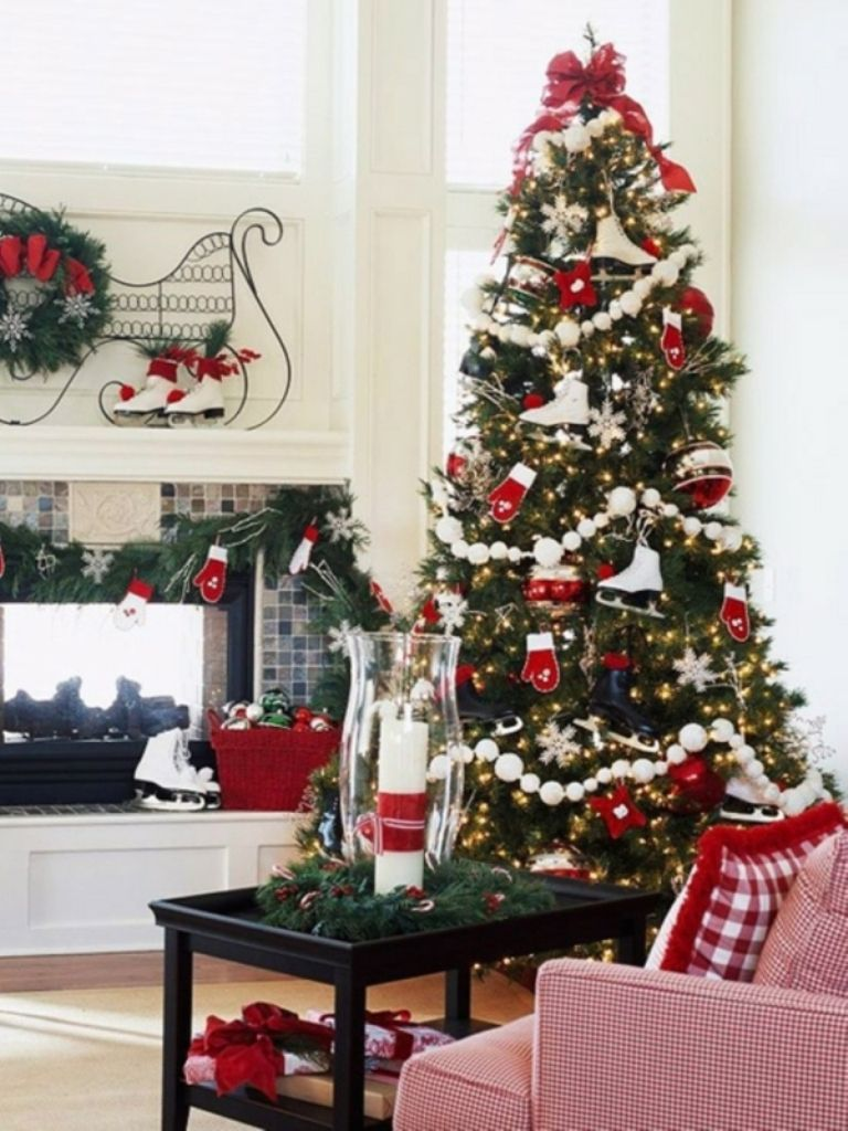 Red and white christmas tree decoration ideas - Decorated Christmas Trees