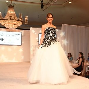 Dominique Sachse And Houston News Stars Rule The River Oaks Catwalk At Star Of Hope Luncheon