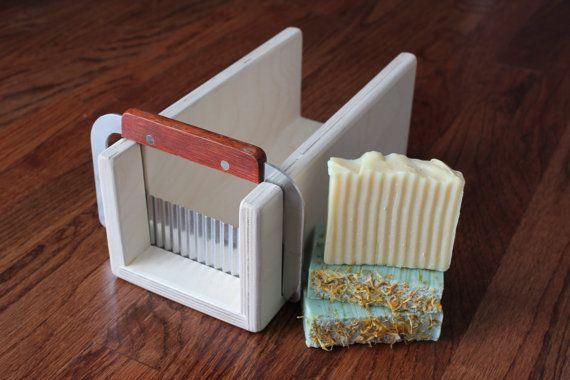 Bouleau bois savon trancheuse - pain / boîte à onglets pour adapter Essential Depot rouge Silicone savon moule pain w. facultatif ondulés Curvy Cutter Crinkle