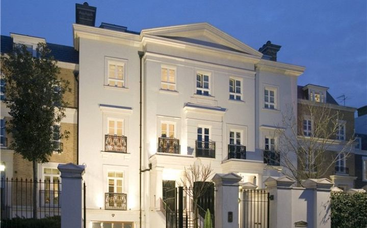A Classically Inspired Regency Style Residence 481 0 Sq M 5 177 Sq Ft Designed By Robert Adam Architects Townhouse Exterior London Townhouse London House