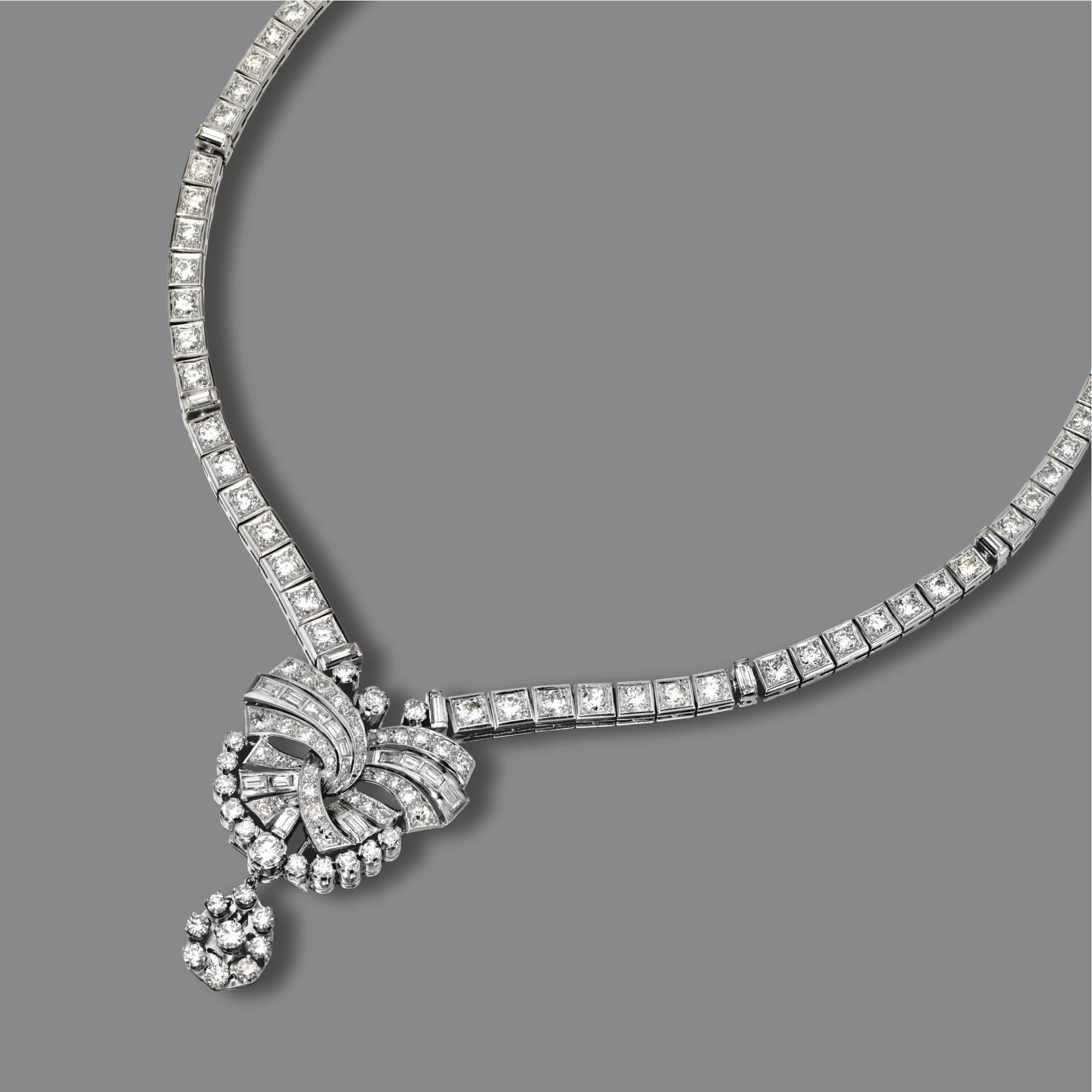 Diamond necklace composed of box links with simple chain links at