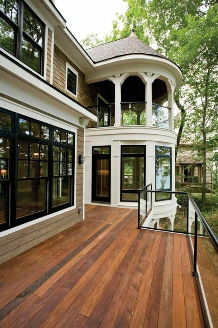 Une Jolie Maison De Luxe Avec Rambarde Balcon En Verre En 2020 Jolie Maison Maison Contemporaine Balustrade Exterieure