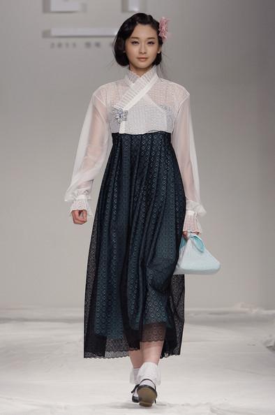 Modern Korea hanbok (한복)