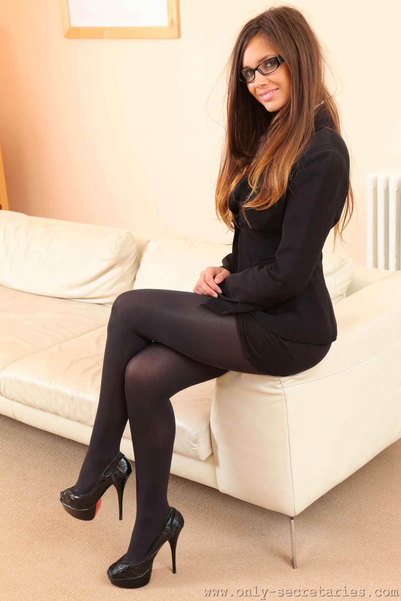 Sexy babe hot pantyhose