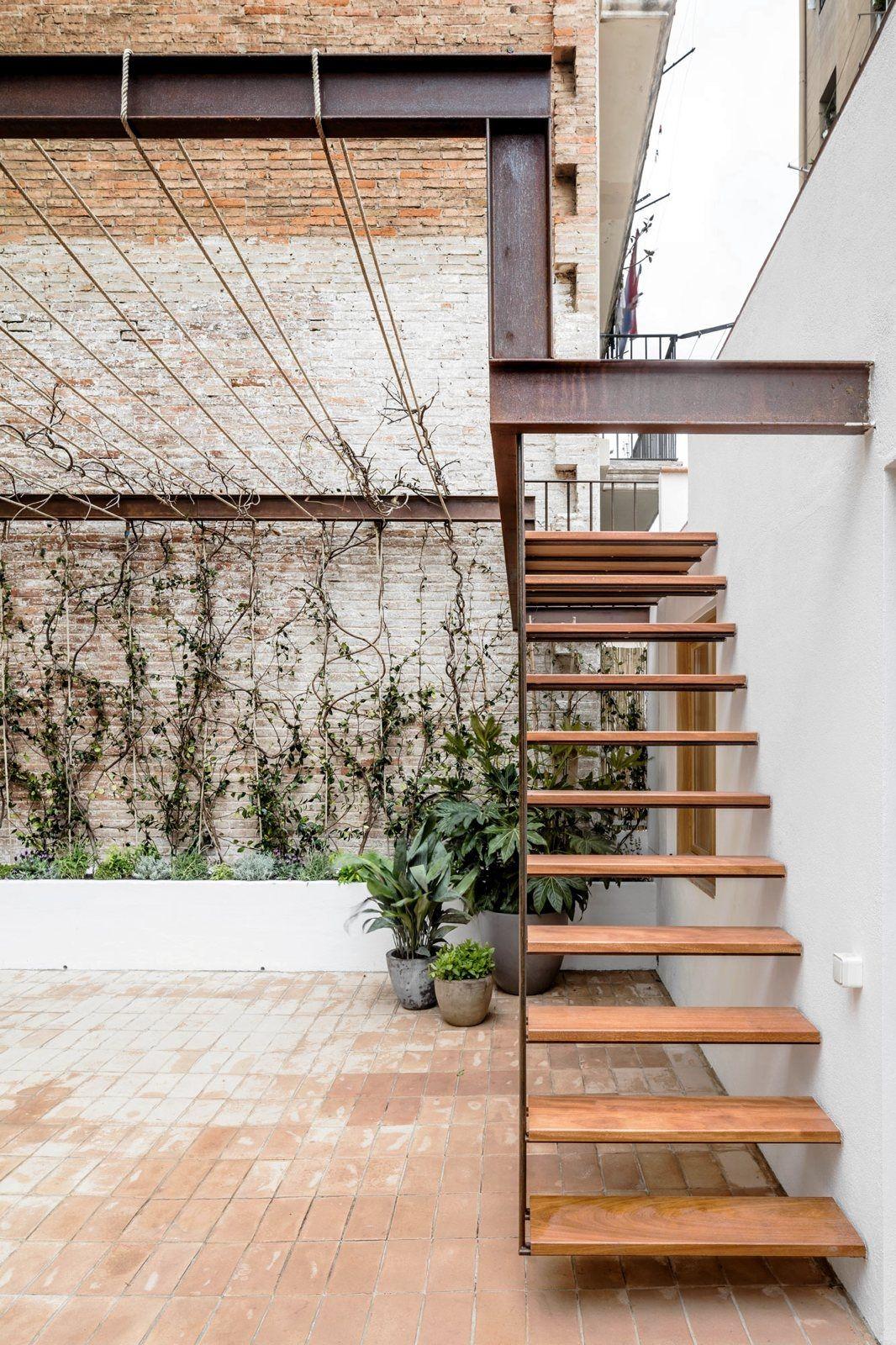 Industrial Pergola Stairway Ga Upinteriors Ello Exterior