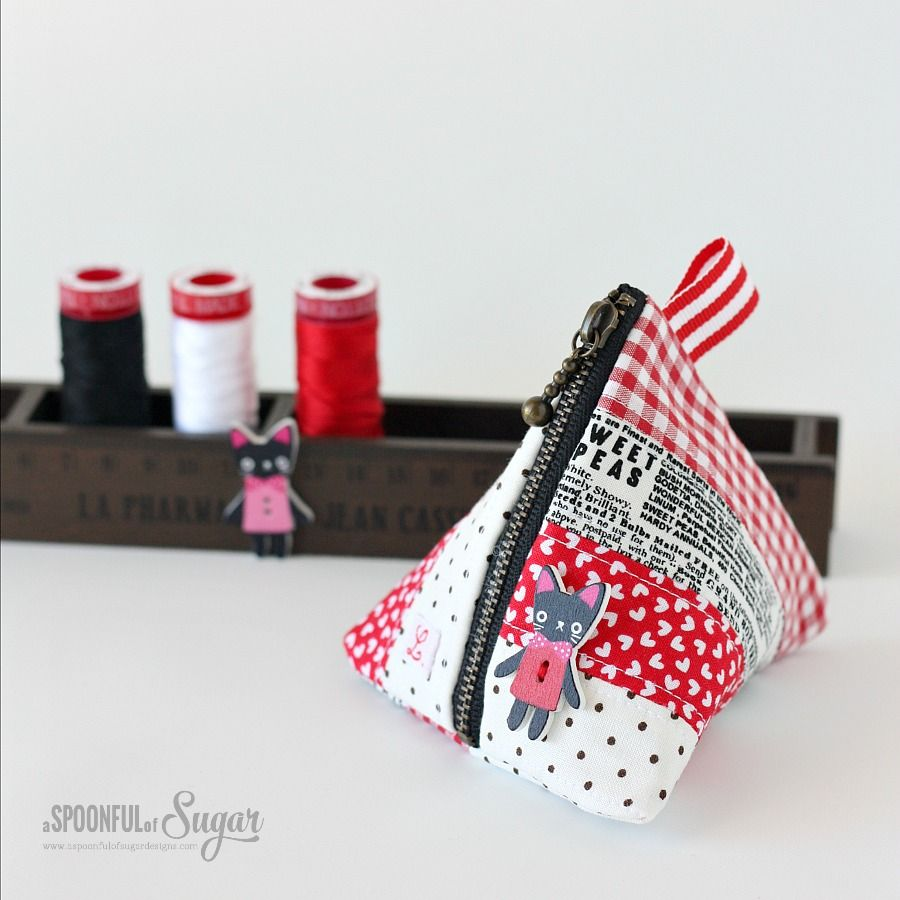 Triangle Coin Pouch (A Spoonful of Sugar) | Bolsos, Cartucheras y ...