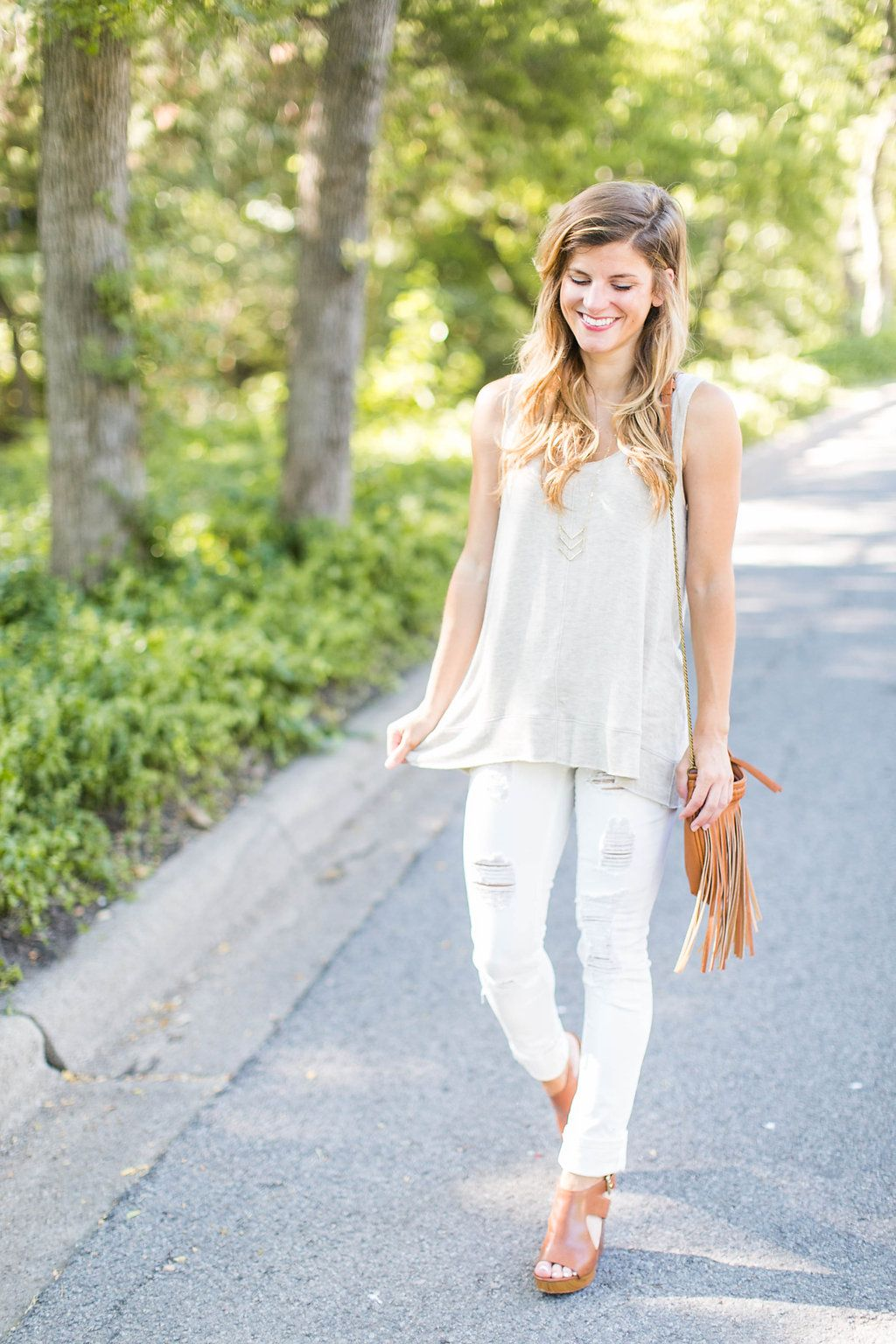 7809e5d9e9 What to Wear With White Jeans - Everything You Need To Know