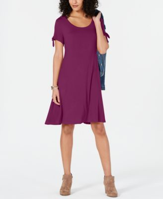 $51 Sangria casual dress for fall 2019. Buy this beautiful dress made by macy's. This dress is appropriate for casual wear.
