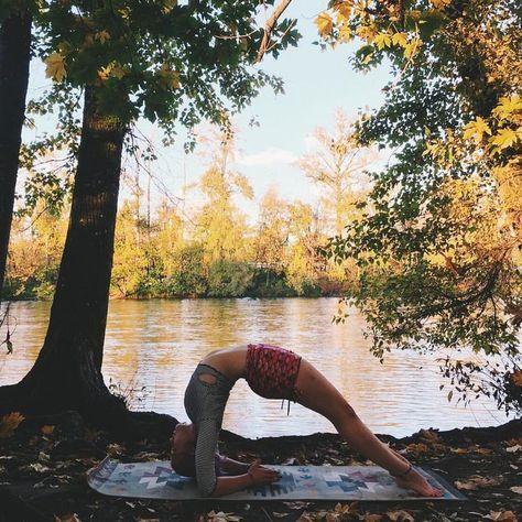 100 unglaubliche Yoga-Fotos, die Sie dazu inspirieren, jetzt zu beginnen!   - Fitness - #beginnen #d...