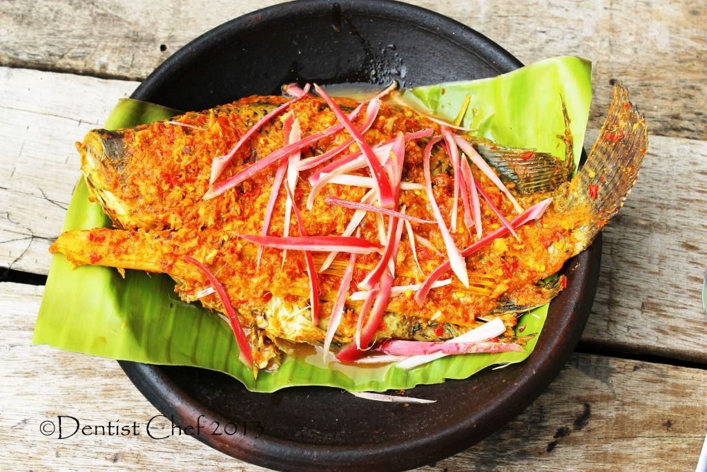 Resep Arsik Ikan Indonesian Batakness Spiced Fish With Torch Ginger And Szechuan Peppercorn Ala Dentist Chef Recipes Shellfish Recipes Seafood Recipes
