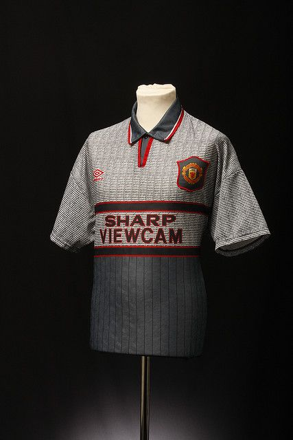 premium selection ff985 9a3ee Manchester United Football Shirt (Away, 1995-96 ...