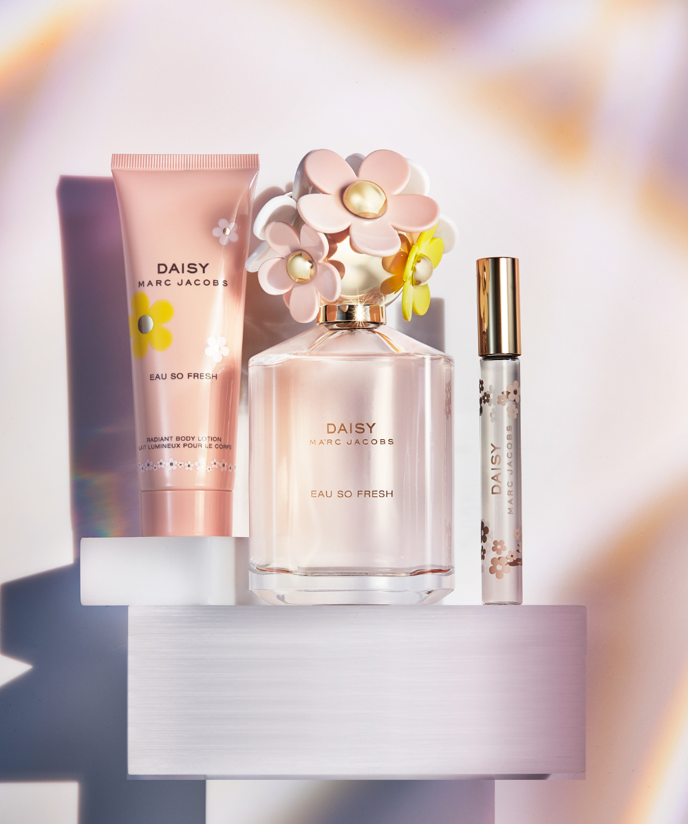 Behance 为您呈现 in 2020 Holiday fragrance, Fragrance