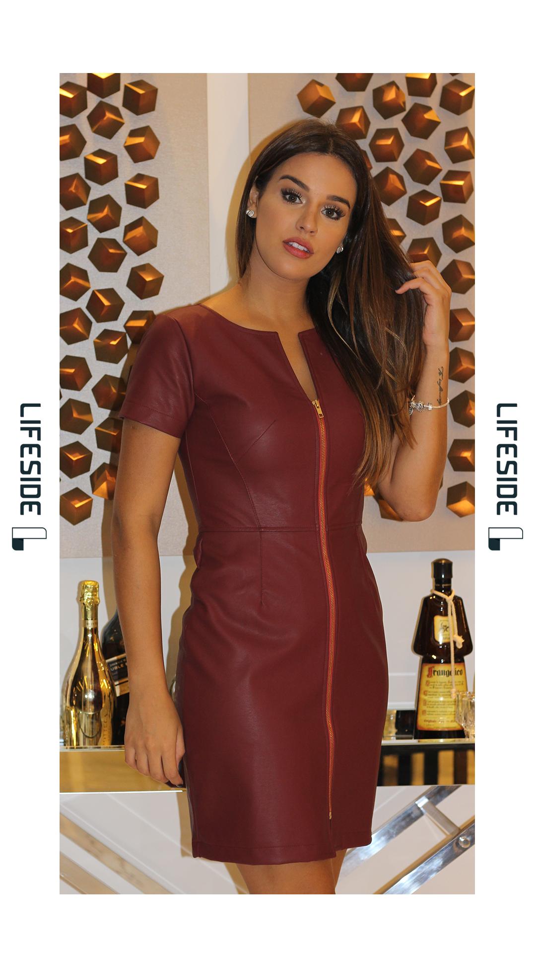 3bf4ed481efa Vestidos De Linho, Moda Executiva, Roupas Basicas, Look Trabalho, Vestido  Couro,