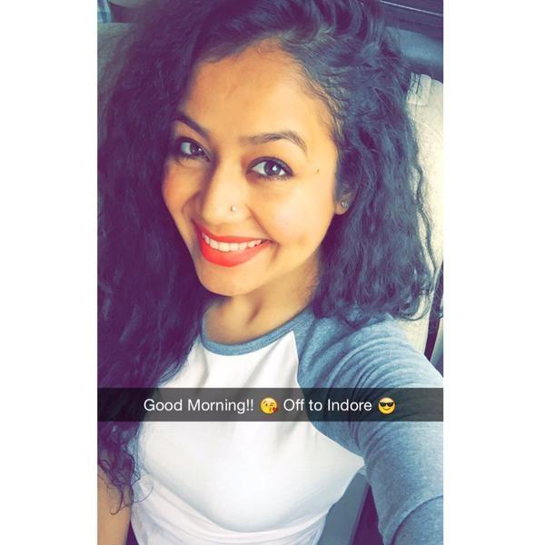 Twitter Neha Kakkar Celebs Celebrities