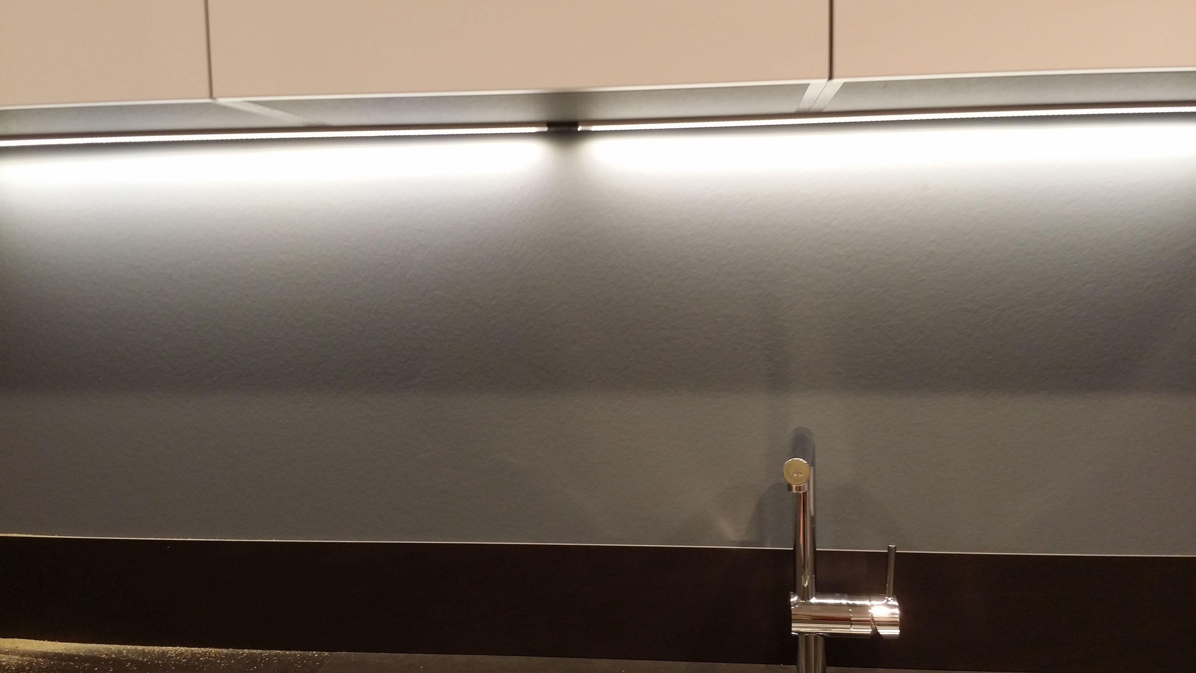 LED Bar in Kitchen http://www.led-verlichting.org/tl-vervanger-led ...