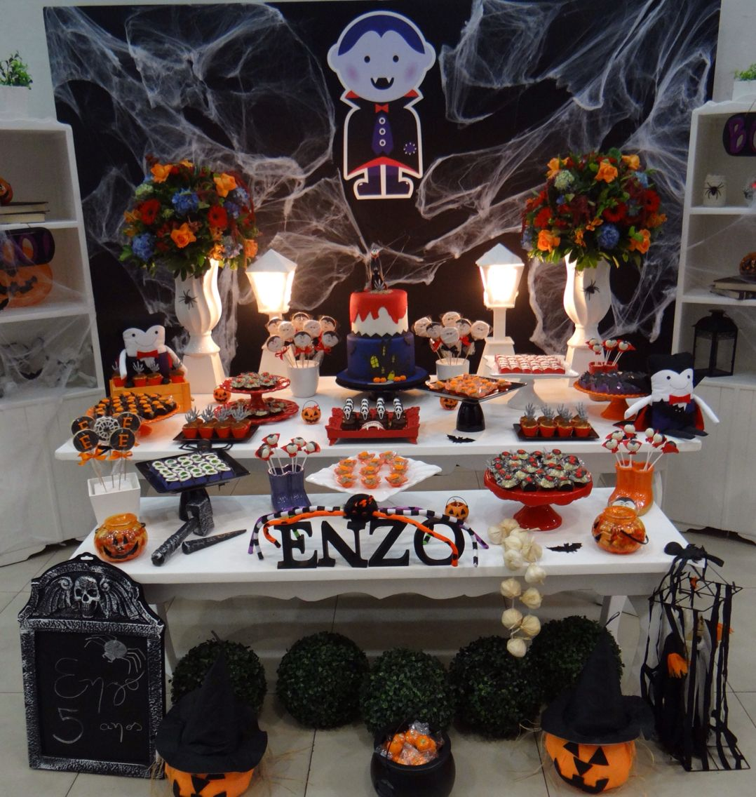 Decoracao De Festa Infantil Tema Halloween.Tema Vampiros Lara 4anos Em 2019 Festa Halloween Festa