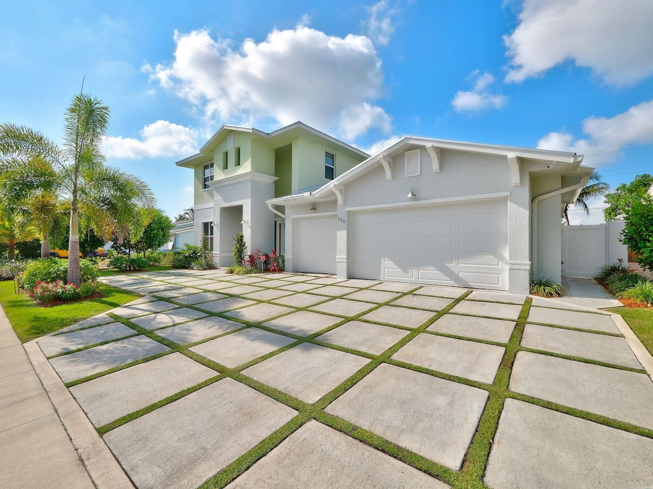 5 Star 5 Bedroom Waterfront Paradise Houses For Rent In West Palm Beach Vacation Home House Rental Vacation Rental