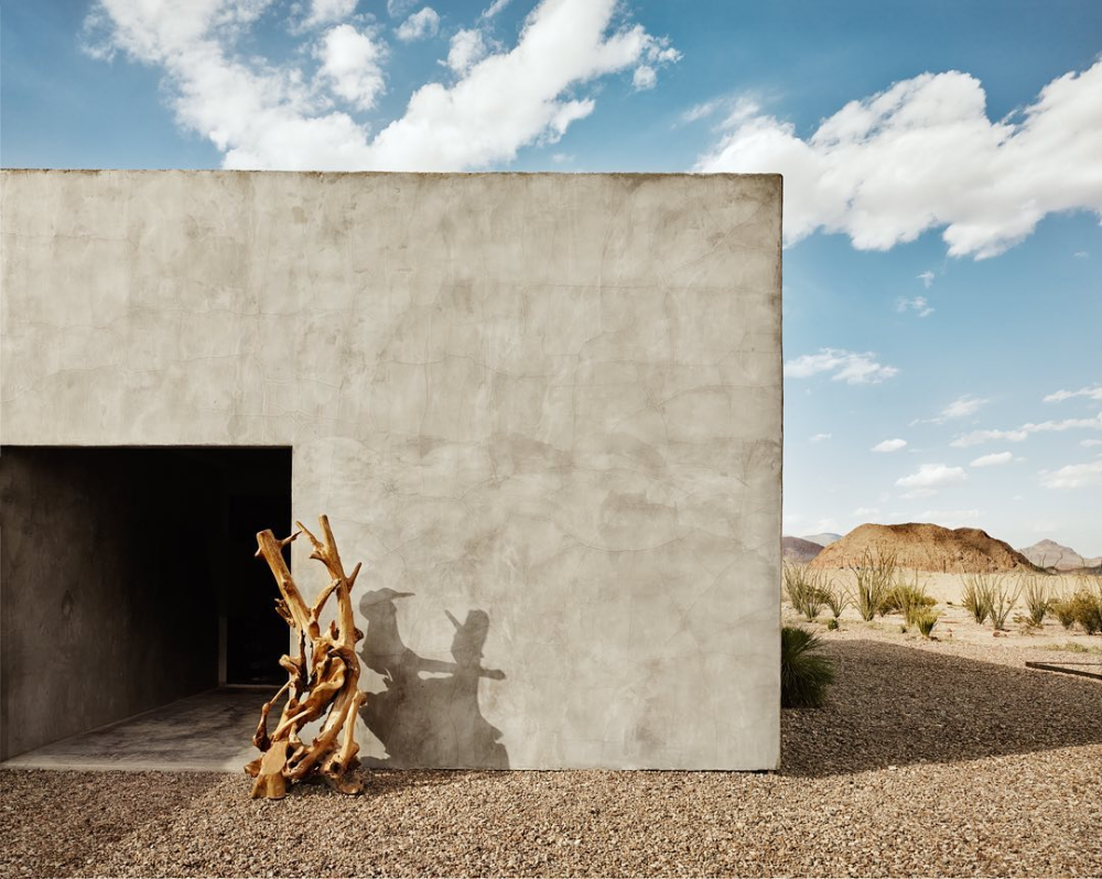 Far West Spirit At The Willow House A Minimalist Concrete Retreat Hotel Texas Willow House Maine House Desert Homes