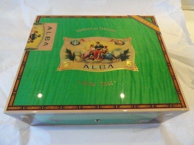Elie Bleu Alba Pistachio Green Humidor 75 Ct Pistachio Green Sycamore Wood Humidor