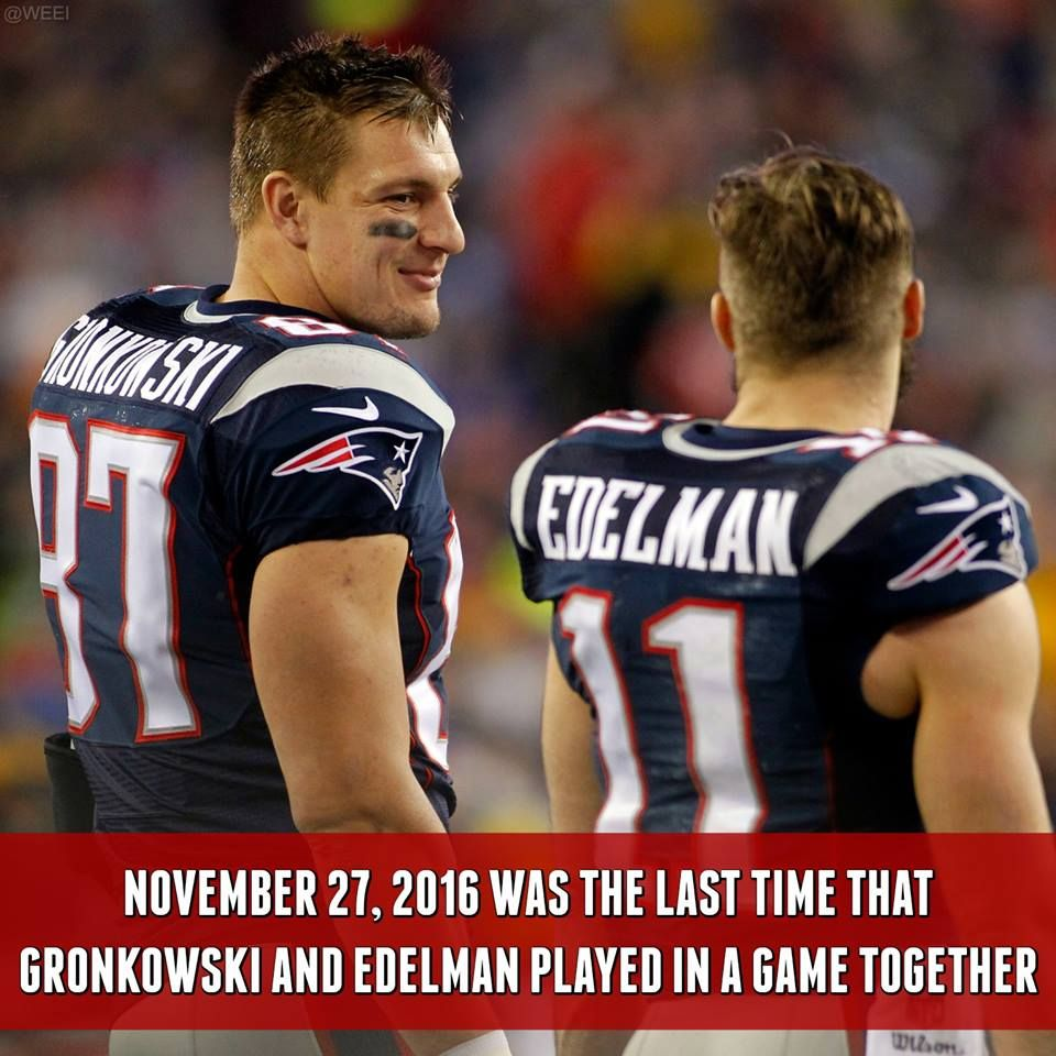 It S Been A Long Time Since We Ve Seen These Two On The Field Together Both Are Active Tonig Nfl New England Patriots New England Patriots Football Gronkowski
