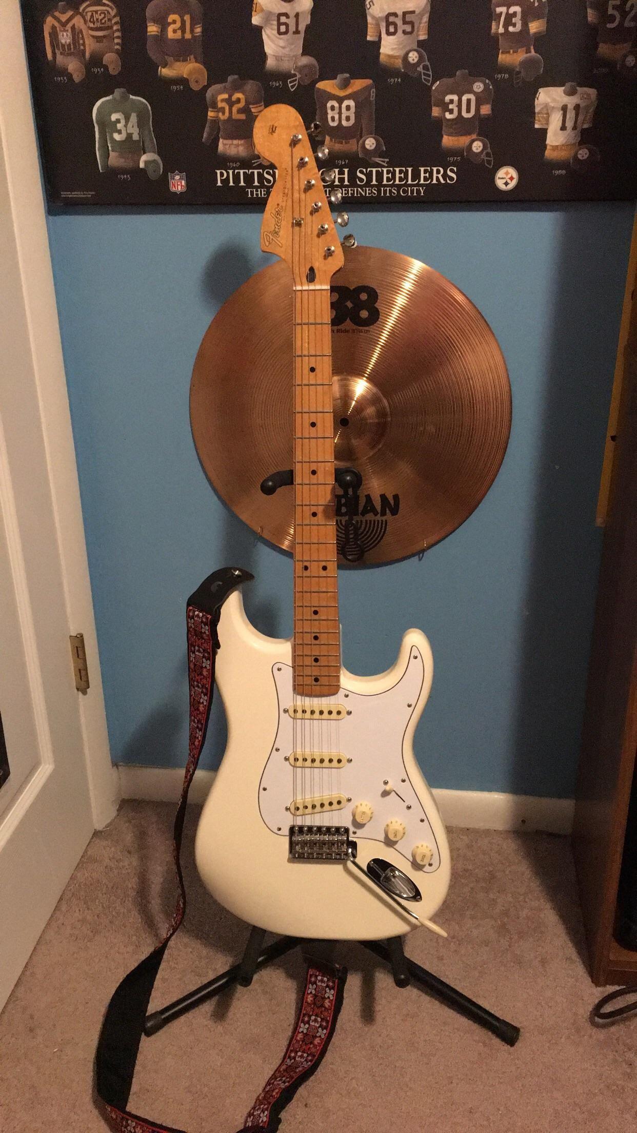 Ngd Fender Jimi Hendrix Signature Stratocaster In Olympic White Im In Love Guitar Electric Guitar Jimi Hendrix