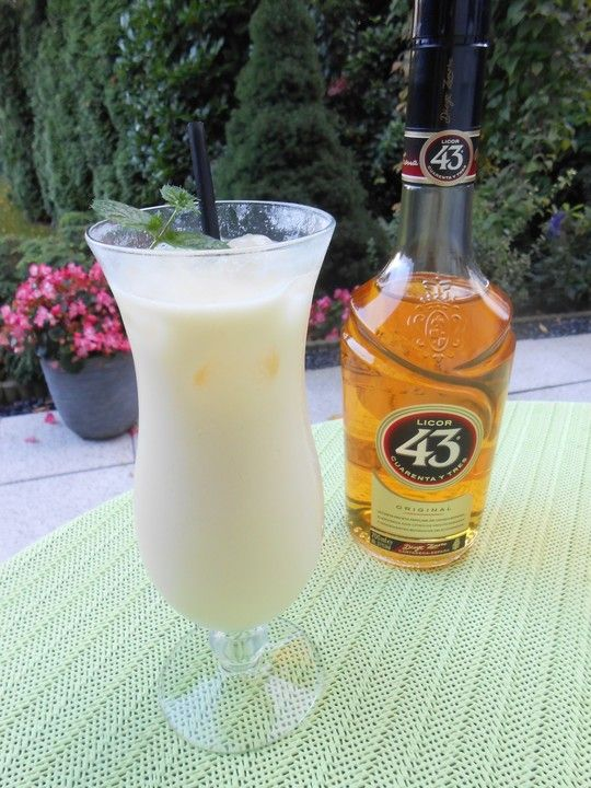 Photo of Liqueur 43 with passion fruit milk from JenniBo90 | chef