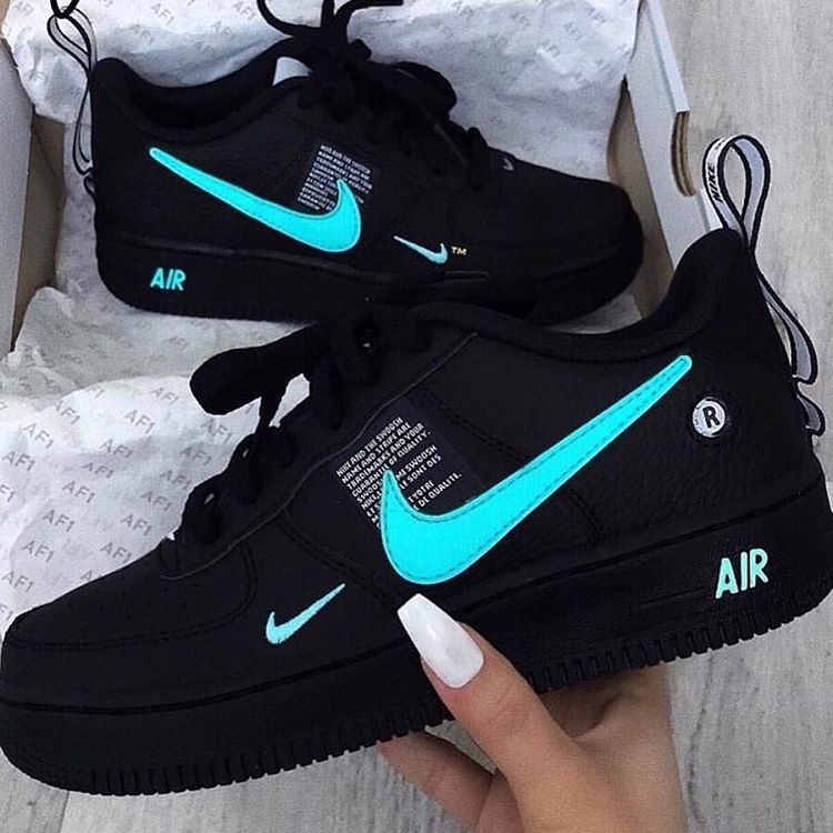 Evaporar Lima Medición  Fire Girl 🔥 on Twitter | Sneakers fashion, Nike air shoes, Shoes sneakers  nike