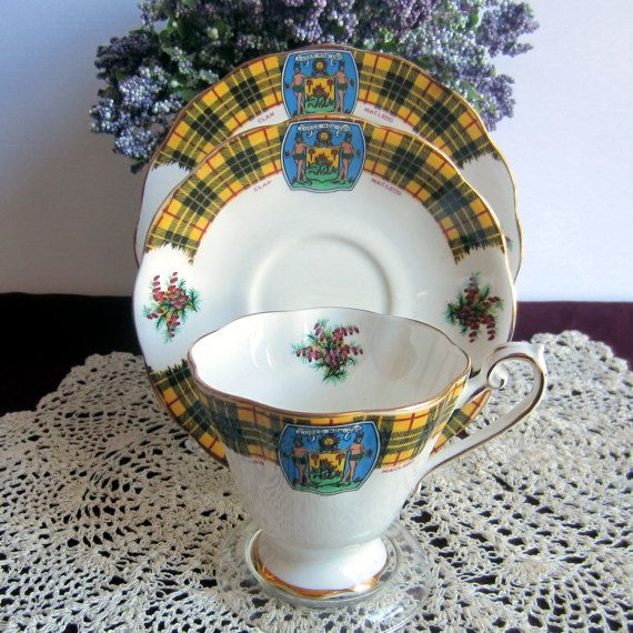 Royal Standard by Chapmans Bonnie Scotland by LauriesFineChina