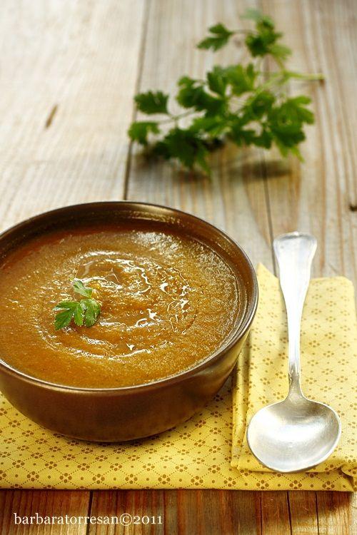 vellutata carote cipolla e zucca con curry, paprika e zafferano