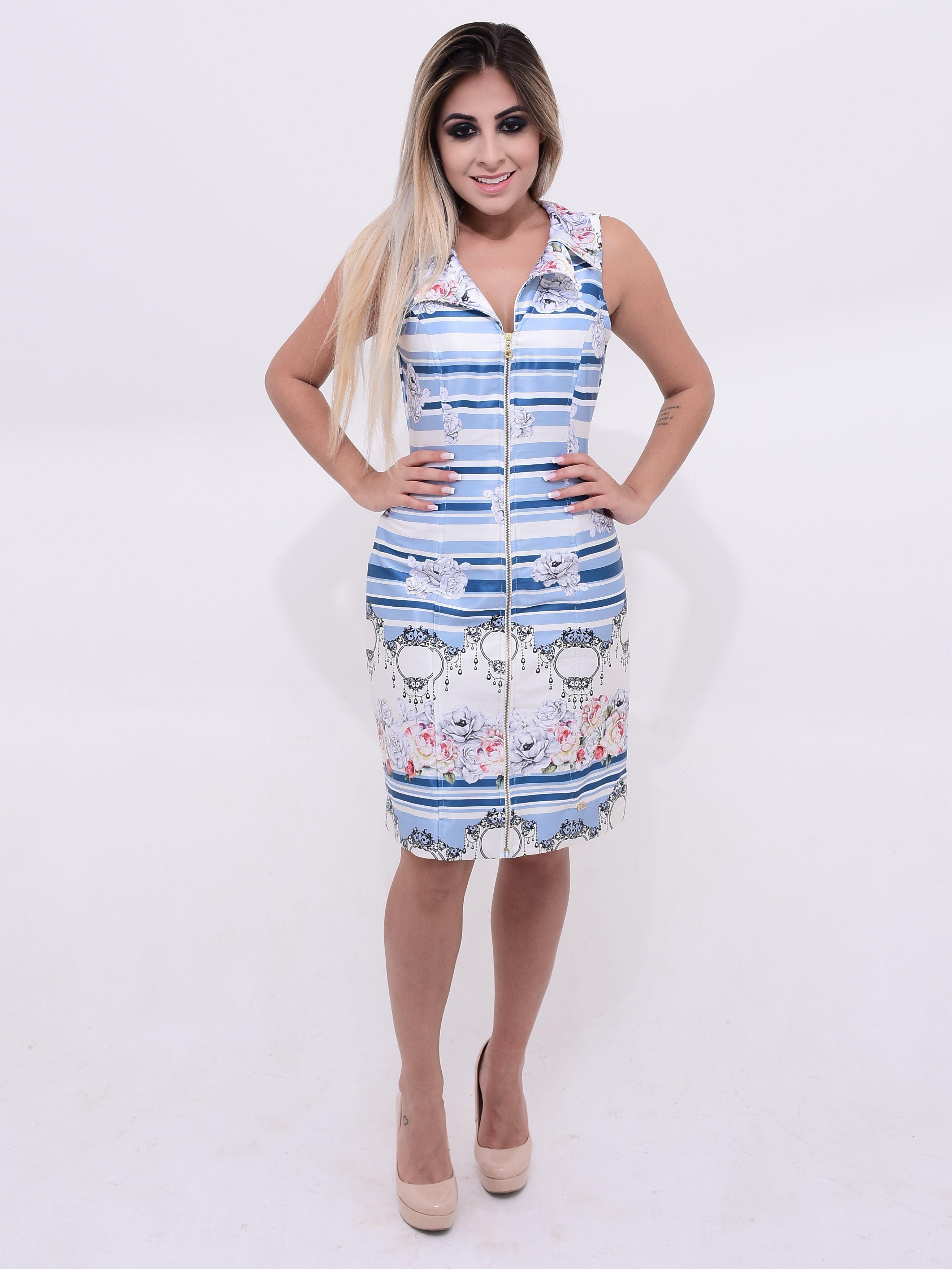 fba9a9be5 O vestido possui decote de zíper que auxilia na hora de amamentar ...