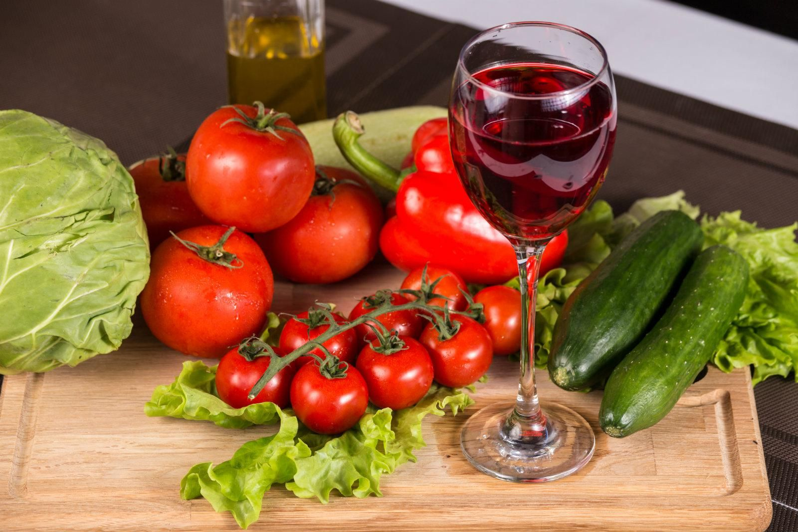 World S Oldest Man Francisco Nunez Oliviera Died At 113 After Crediting Longevity To Red Wine And Vegetables Vegetables Red Wine Health