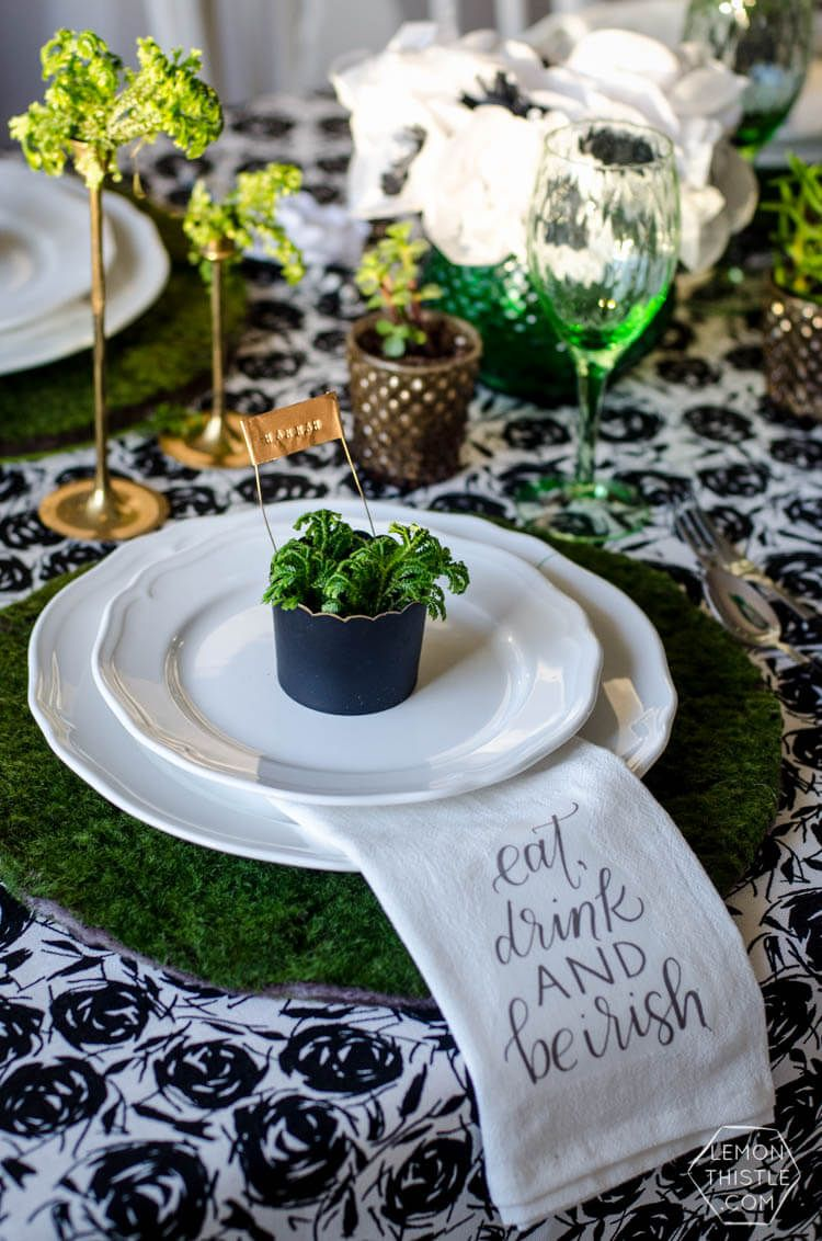 DIY Round Moss Covered Placemats - for a Classy Saint Patrick\u0027s Day Party & 25 DIY St. Patrick\u0027s Day Decorations to Add Green to Your Home ...
