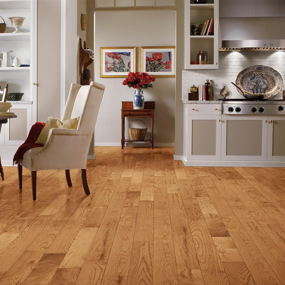Bruce Plano Oak Marsh 3 4 In Thick X 5 In Wide X Varying Length Solid Hardwood Flooring 23 5 Sq Ft Case Ahs5134 The Home Depot Solid Hardwood Floors Hardwood Floors Solid Hardwood