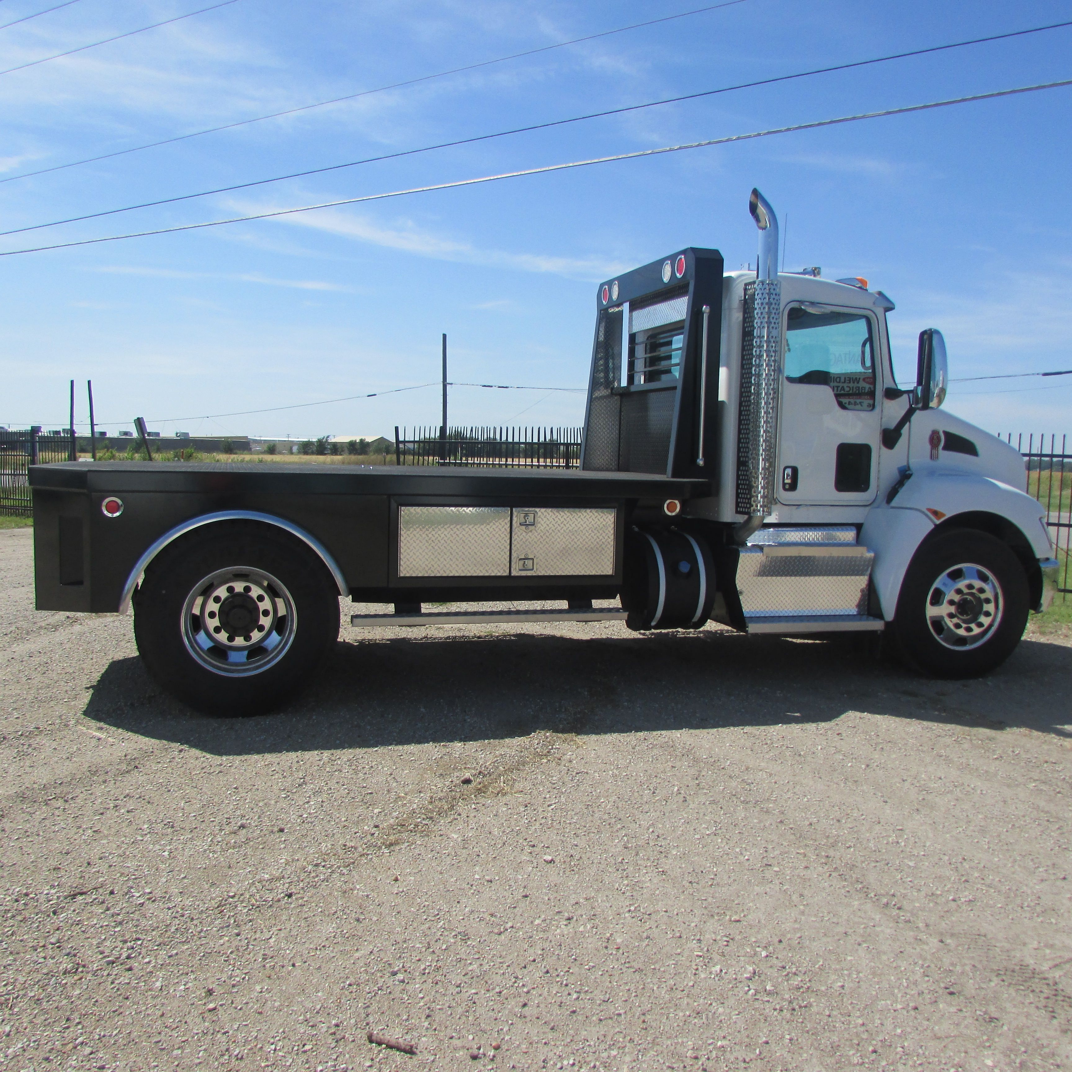 Semi Trucks Advantage Customs Semi trucks, Trucks