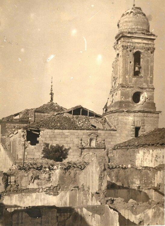 Iglesia bombardeada en la Guerra Civil. Ayuntamiento de Brunete. 1937.  Archivo fotográfico de la Comunidad de Madrid.