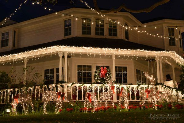 icicle lights, lighted wreath, and lighted deer display for Christmas on  front porch Outdoor - Outside Christmas Light Ideas *Christmas ~ Lights 2 Christmas