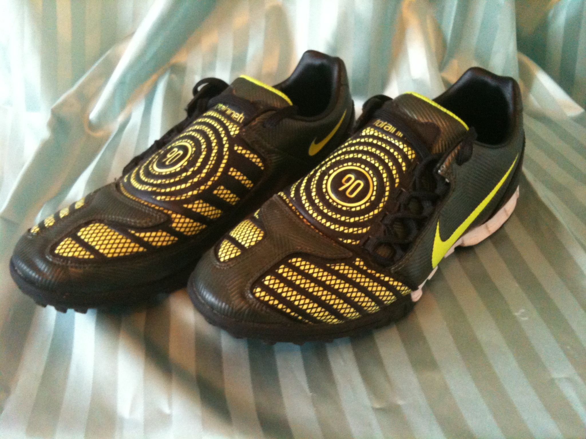 official photos cafa4 1eb5b NIKE TOTAL 90 NINETY Black Yellow Football Boots Astro Turf Trainers Size  7.5 42 22.00