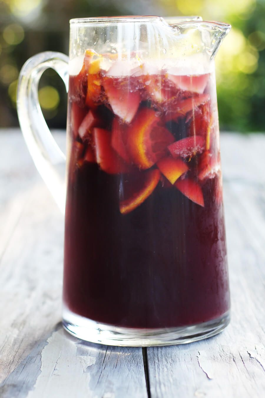 Deliciously Fruity This Sparkling Red Wine Sangria Is So Easy To Make And Even Easier To Relax And Enjoy Go Ahea Red Wine Sangria Sangria Recipes Red Sangria