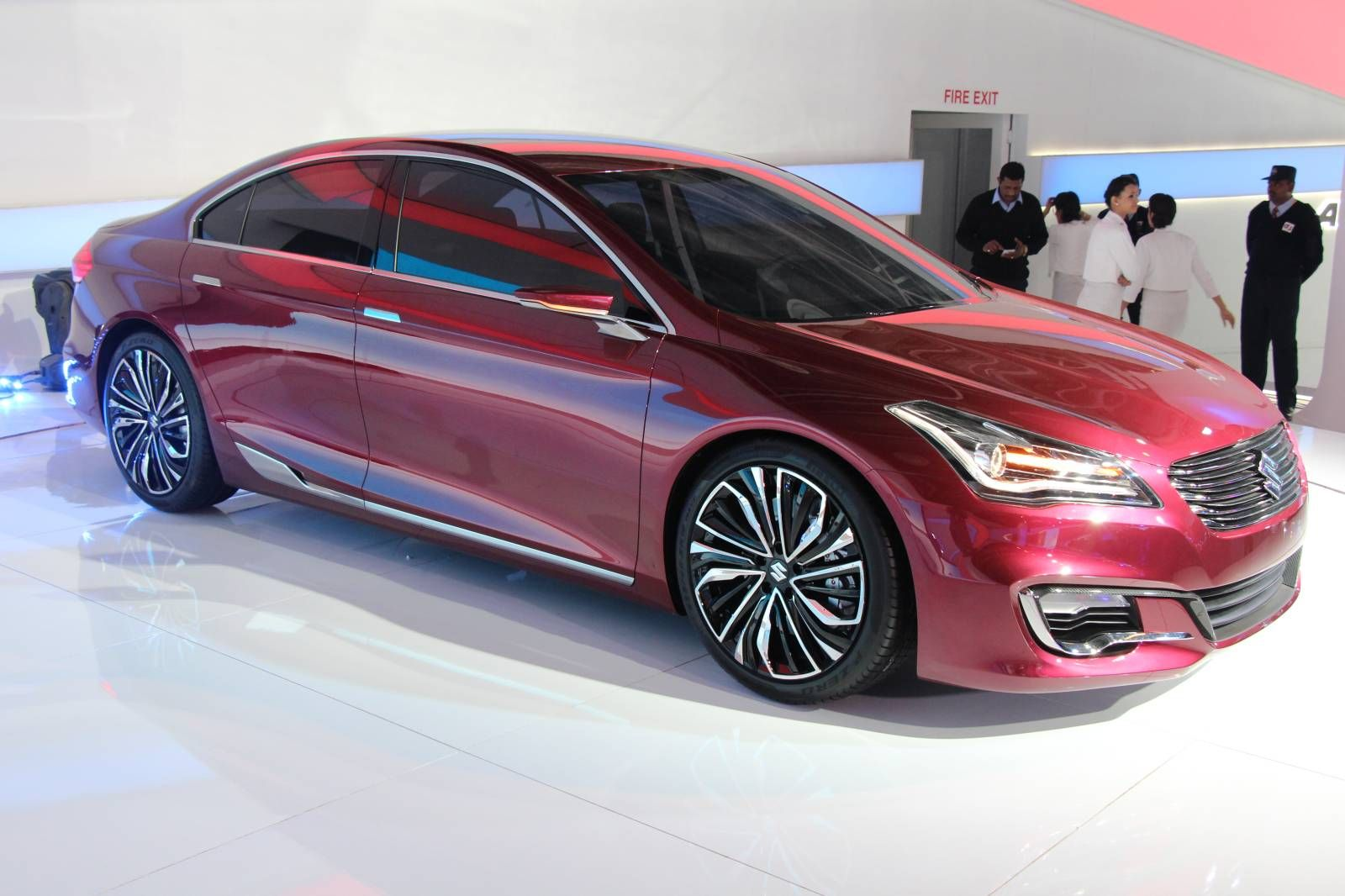 Maruti Suzuki Reveals New Ciaz Concept Sedan In India Video Live Photos In 2020 Sedan Suzuki Classic Cars Vintage