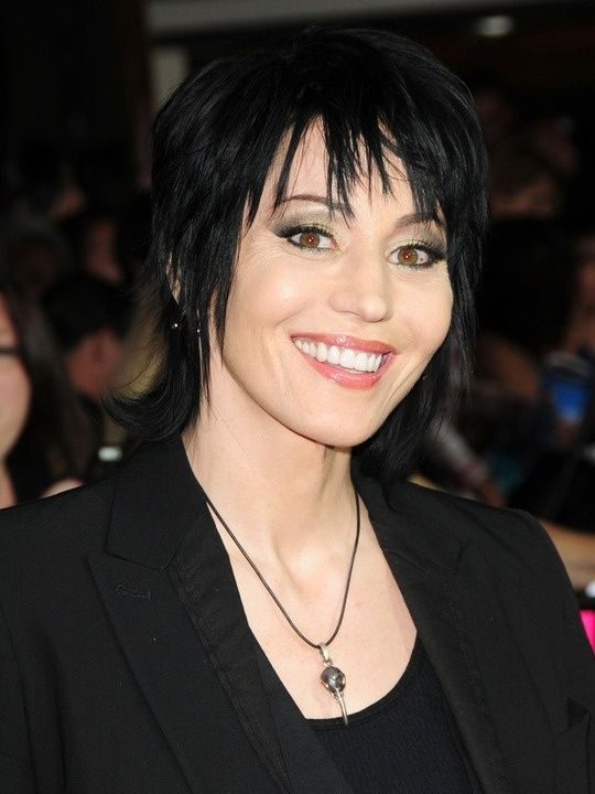 Joan Jett is left handed