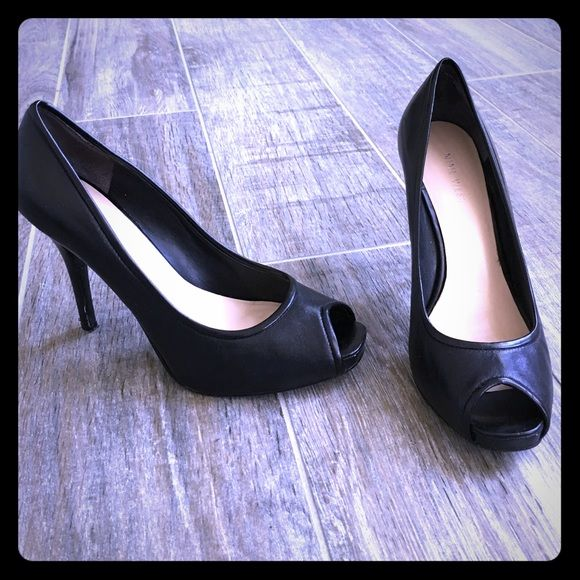 Nine West black leather peep toes Nine West black leather peep toe heels. The most comfortable pair you will own. Damage to heels as shown. Otherwise perfect. Nine West Shoes Heels