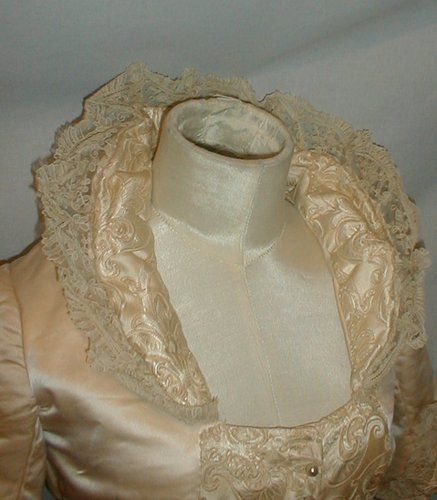 Regal Kleidung Regal 1880's Champagne Satin Bustle Wedding Dress W Pearl ...
